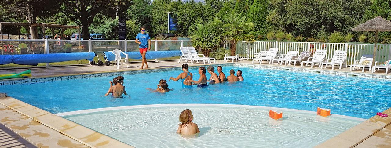 camping-le-medoc-bleu-gironde-piscine.jpg