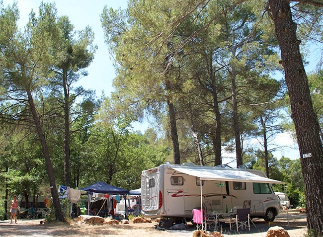 camping-provencal-emplacement-camping-car-min.jpg-4