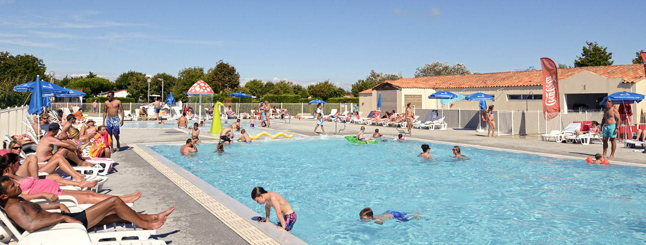 Camping Les Ilates Piscine Chauffée