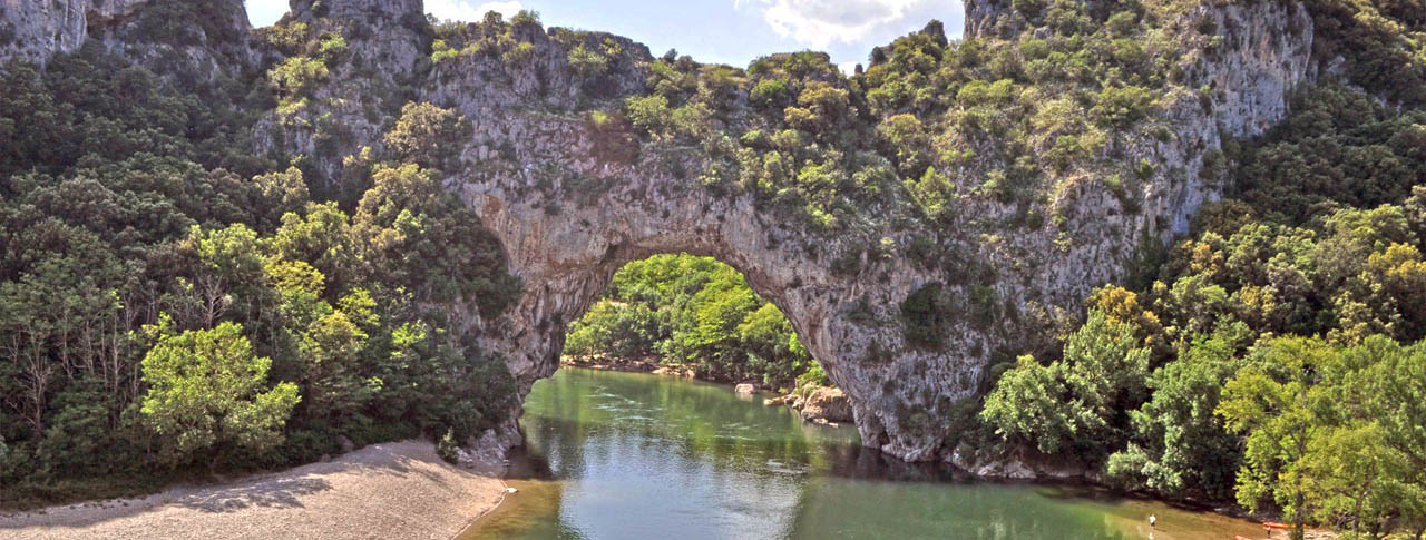 pont-d-arc-camping-buissiere-ardeche.jpg