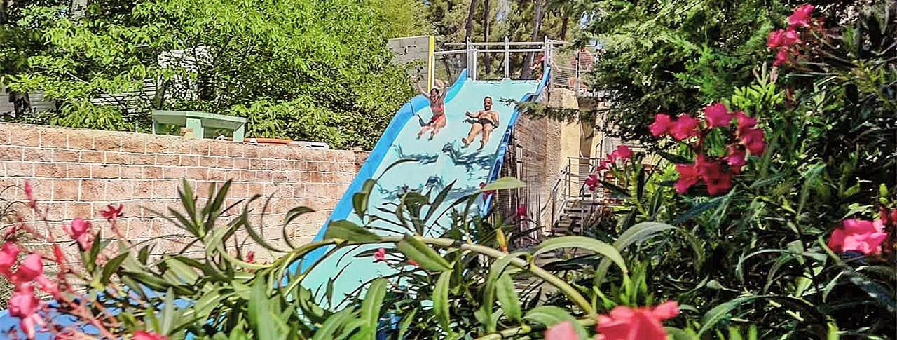 camping de Ceyreste toboggan avec piscine Cassis