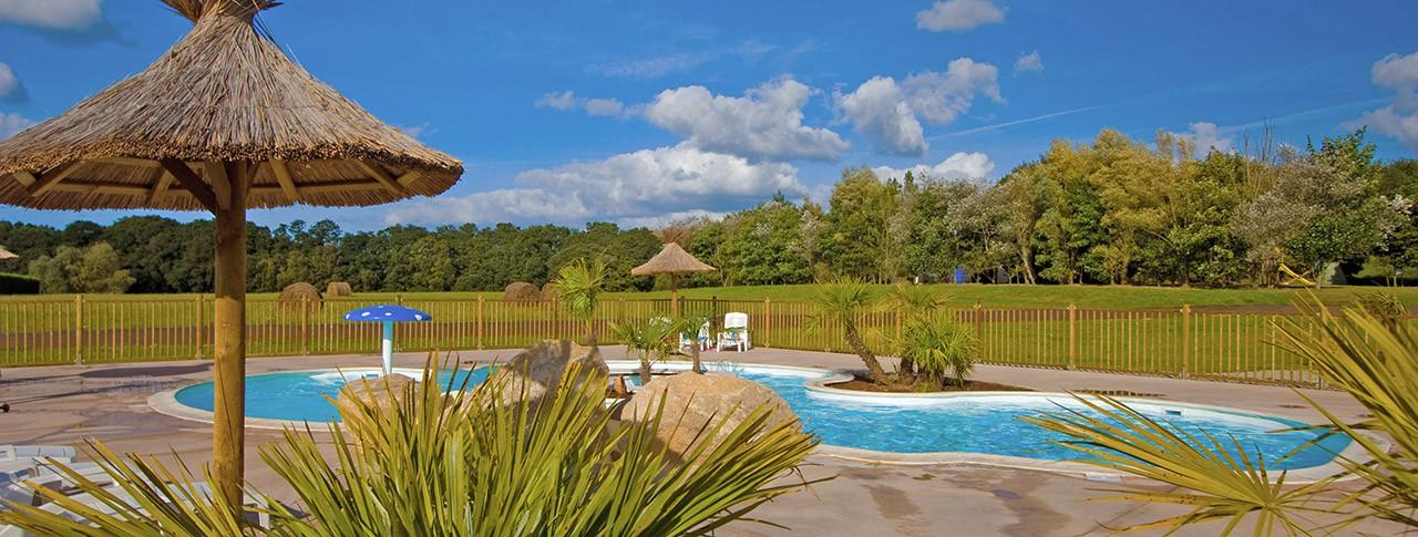 camping de Mesqueau piscine extérieure
