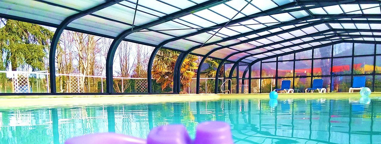 camping-nobis-d-anjou-piscine-couverte-pano.jpg