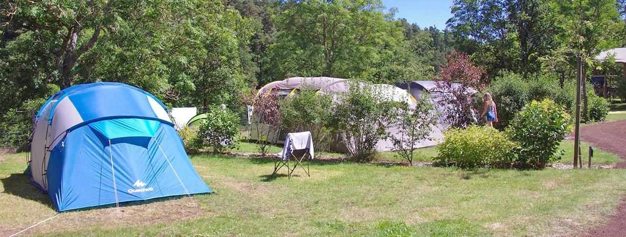 Camping La Rochelambert emplacements