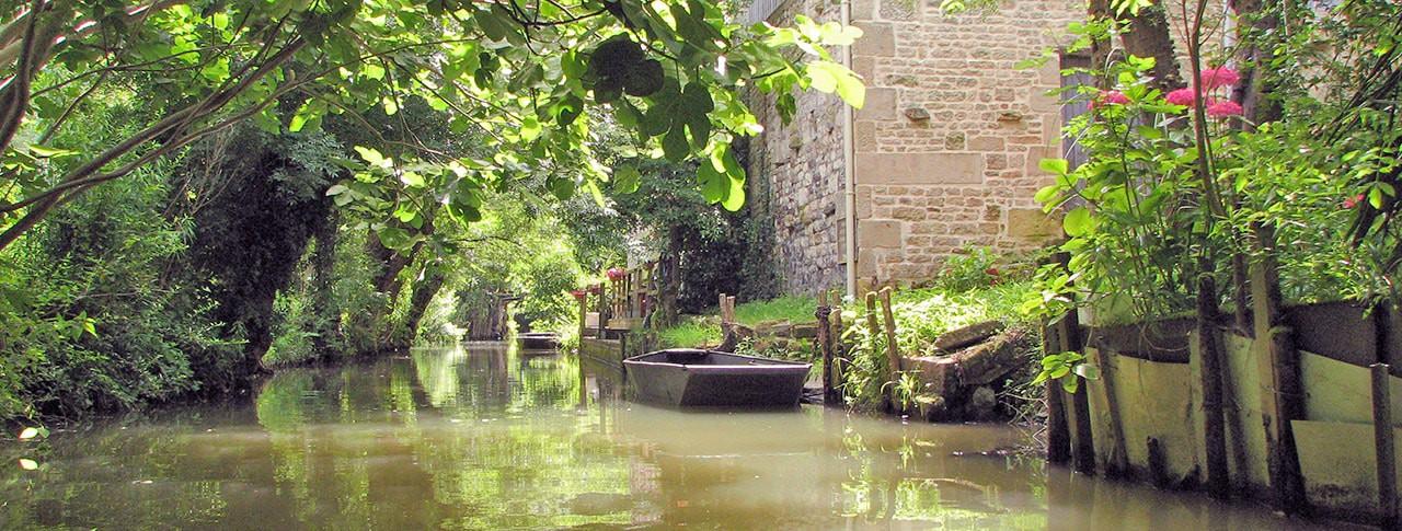 Camping La Venise Verte barques canaux Marais Poitevin