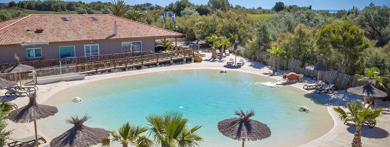 Camping Soleil d'Oc Narbonne-Plage avec lagon artificiel de baignade