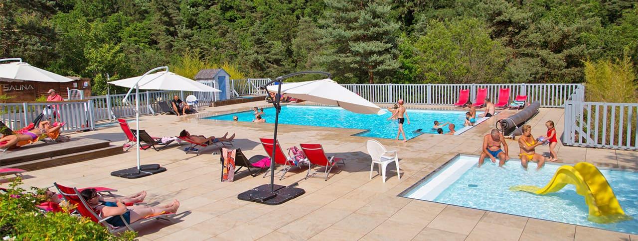 camping-rochelambert-piscine-panoramique.jpg
