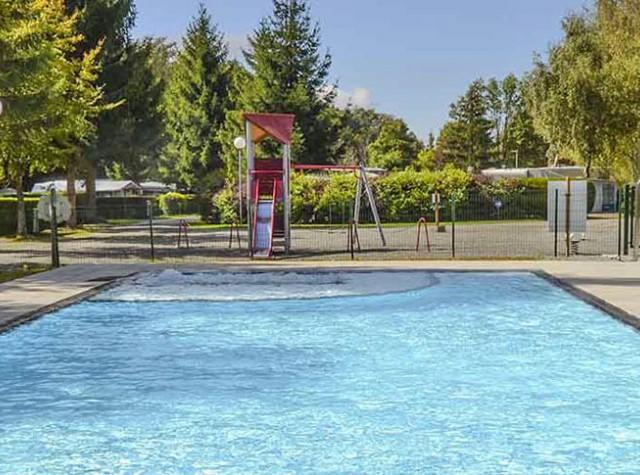 camping du Lac de la Seigneurie piscine extérieure chauffée-2