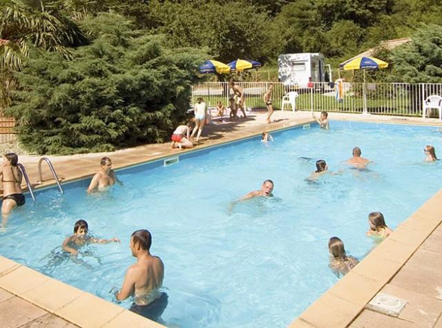 Camping l'Arize avec piscine Ariège-2