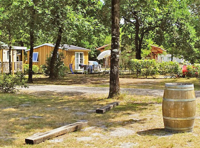 Camping Le Médoc Bleu cabane en bois-3