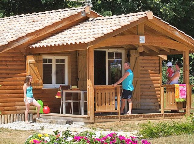 Camping Le Château chalet-2