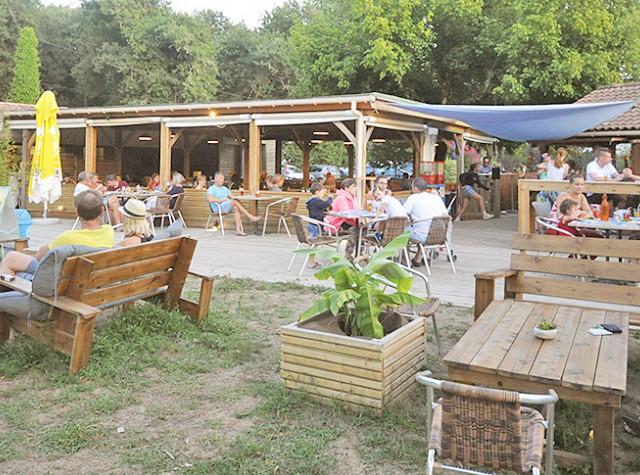 Camping La Clairière restaurant Saint-Paul-en-Born-3