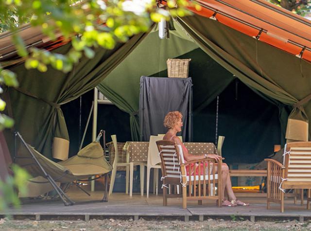 camping-lac-de-bonnefon-lodge-pano.jpg-2