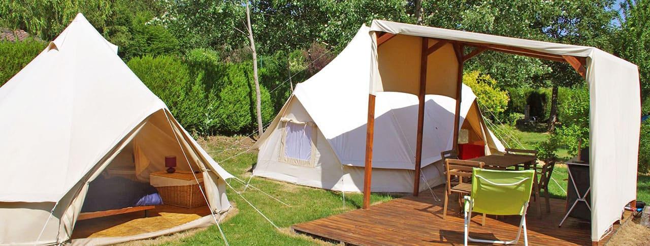 camping-en-tente-et-tipi-pano