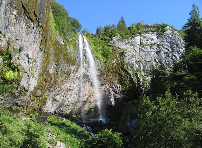 Camping les verni res la bourboule puy de d me auvergne rh ne alpes in frankreich - Le mont dore office du tourisme ...