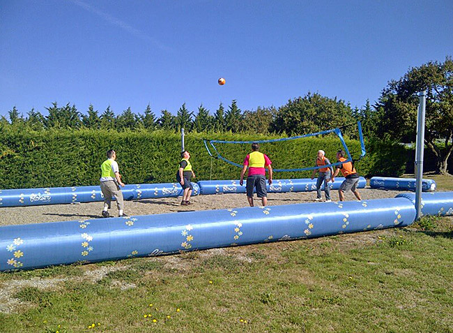 camping Les Brillas terrain de volley-11