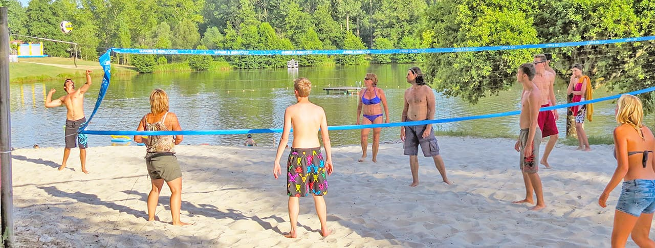 Camping Lac de Lislebonne beach volley-1