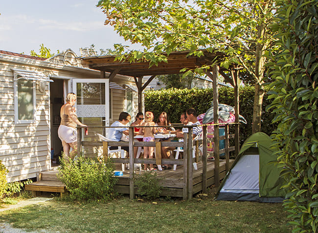 flower campings le pessac location mobilhome famille-2