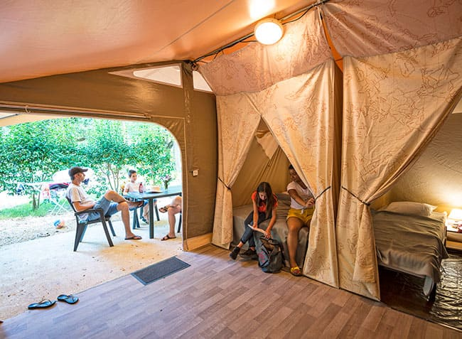 camping-saint-michelet-lodge-interieur.jpg-8