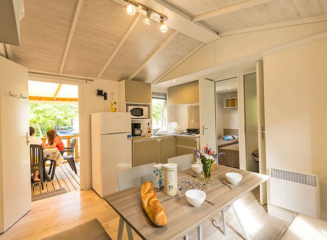 camping-saint-michelet-mobilhome-interieur.jpg-6