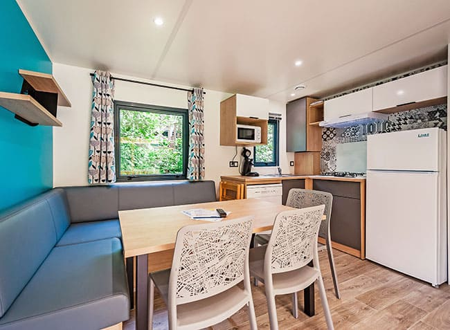 camping-steniole-mobilhome-interieur.jpg-11