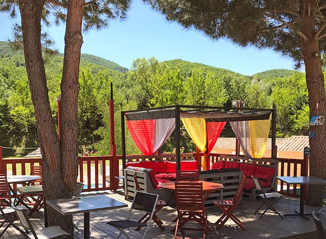 camping-riviere-terrasse.jpg-15